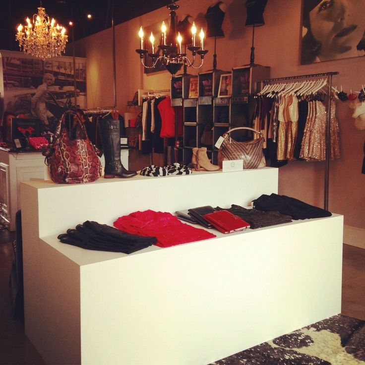 Best 25 Clothing Boutique Interior Ideas On Pinterest