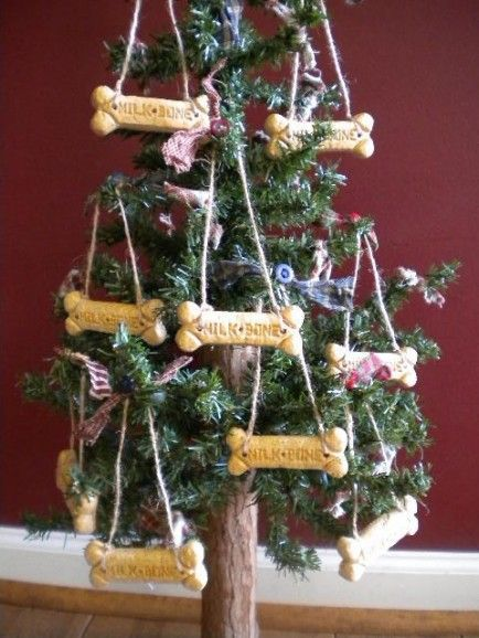 20 Ways To Include Pets In Your Holiday Decor Babble Dog Christmas Ornaments Christmas Tree Themes Holiday Decor