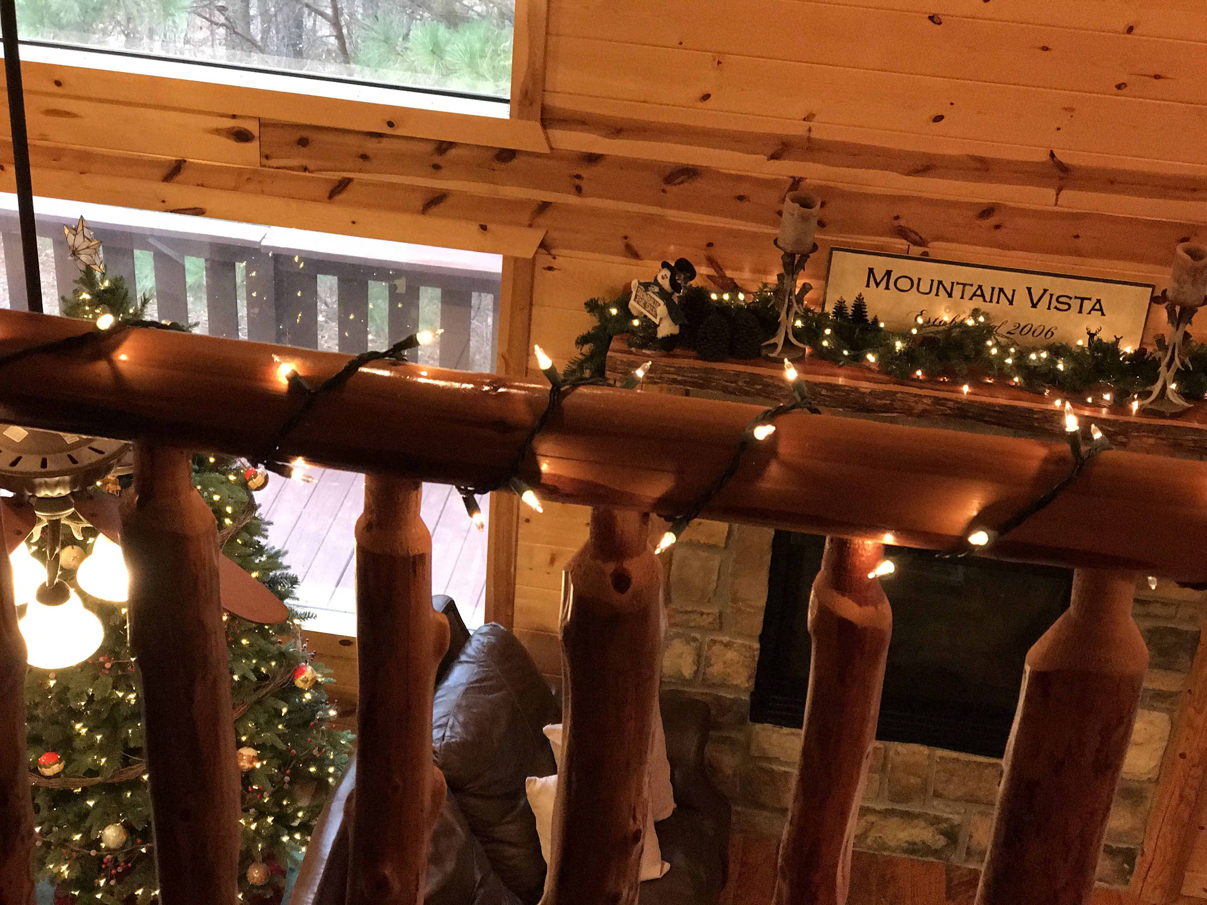 cabins dreamhouse beaver for house on free the is perfect beavers bend also cozy gathering get can a enjoy party away bachelorette or adventures family girls dream dsc couples pets roaming small cabin