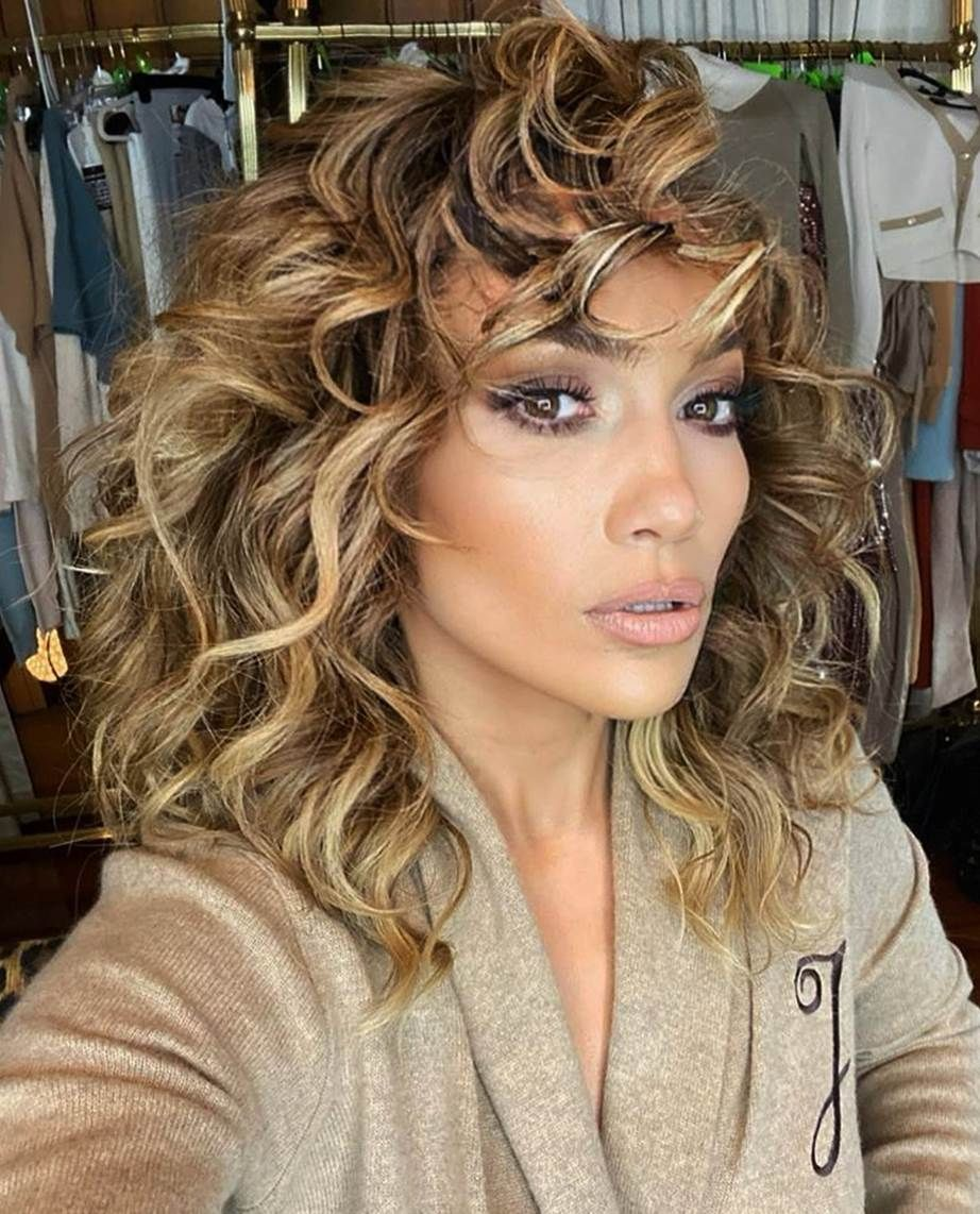 The 10 Hair Colours That Are Dominating Summer 2020 Jennifer Lopez Hair Jlo Hair Jennifer Lopez Hair Color