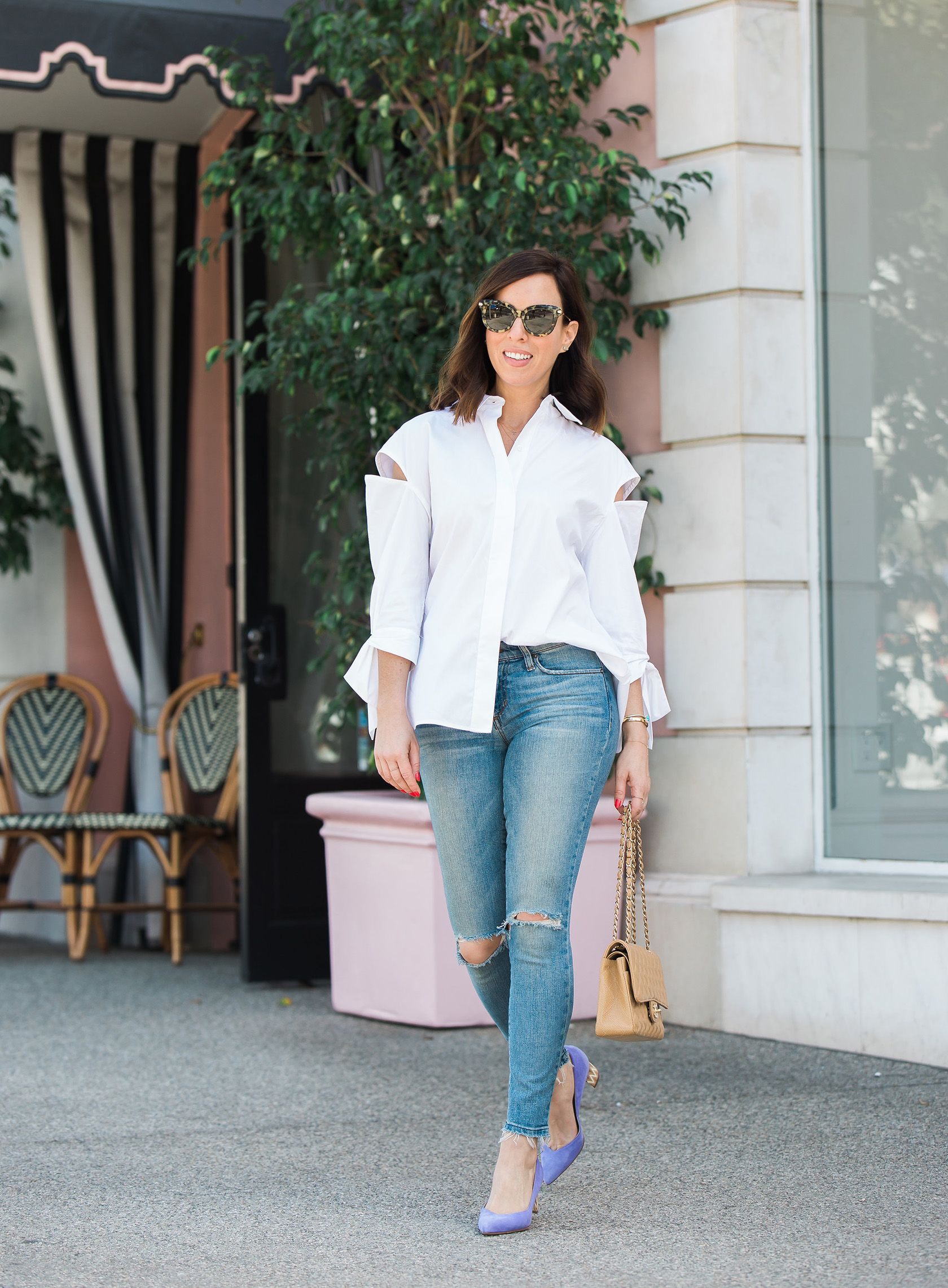 4129c9cfcb78 Sydne Style shows how to wear a white button down and jeans like Meghan  Markle #whiteshirt #whitebuttondown #jeans #skinnyjeans #lavender #purple  #chanelbag ...