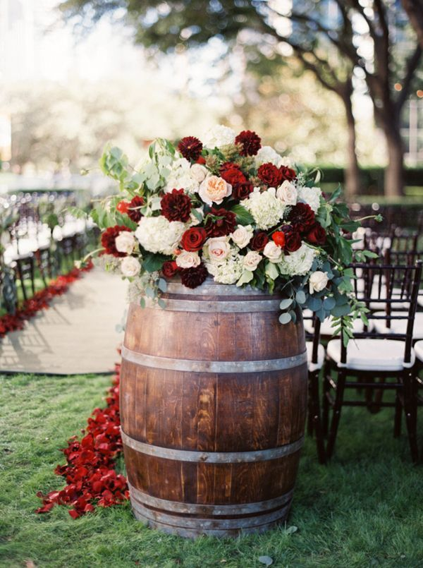 Country wedding ideas 20 ways to use wine barrels rustic gardens rustic garden wedding ideas with wine barrel decorations for fall junglespirit Gallery