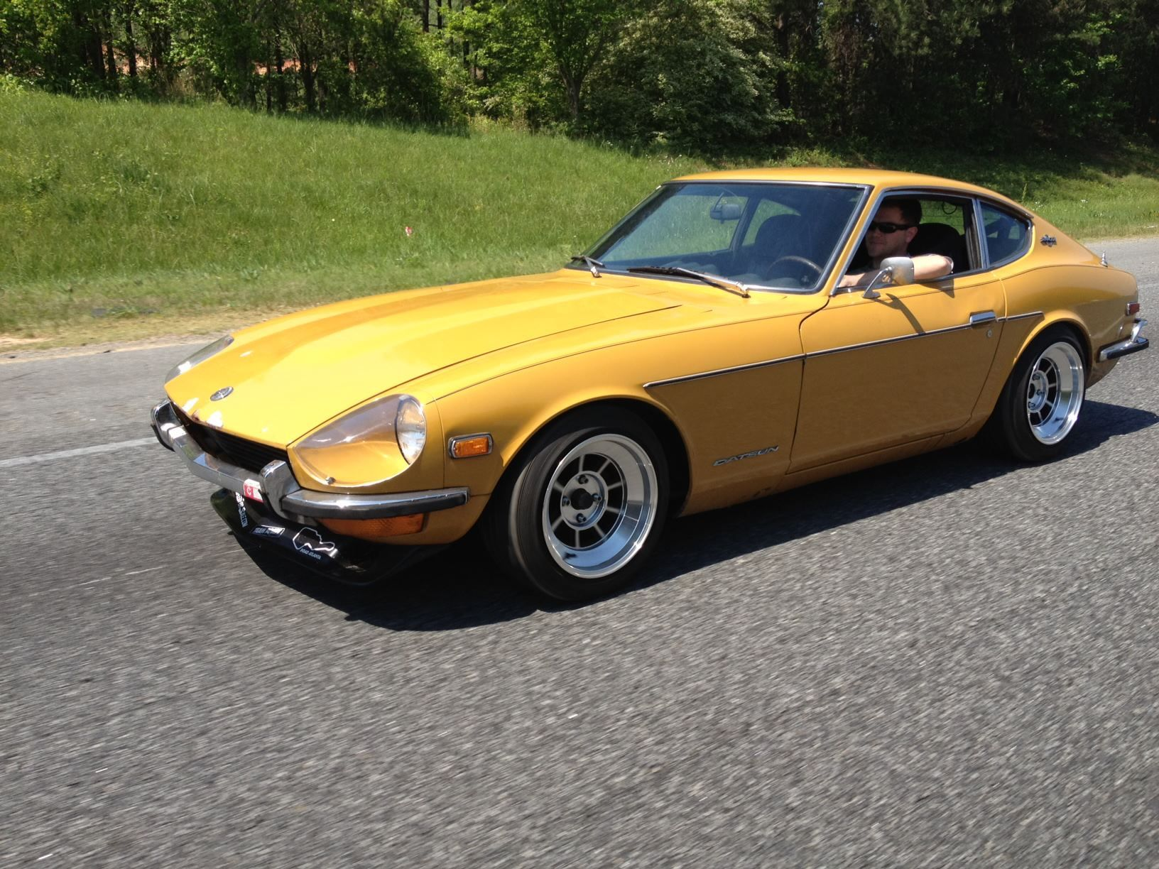 datsun 240z 4 wheels with class. Black Bedroom Furniture Sets. Home Design Ideas