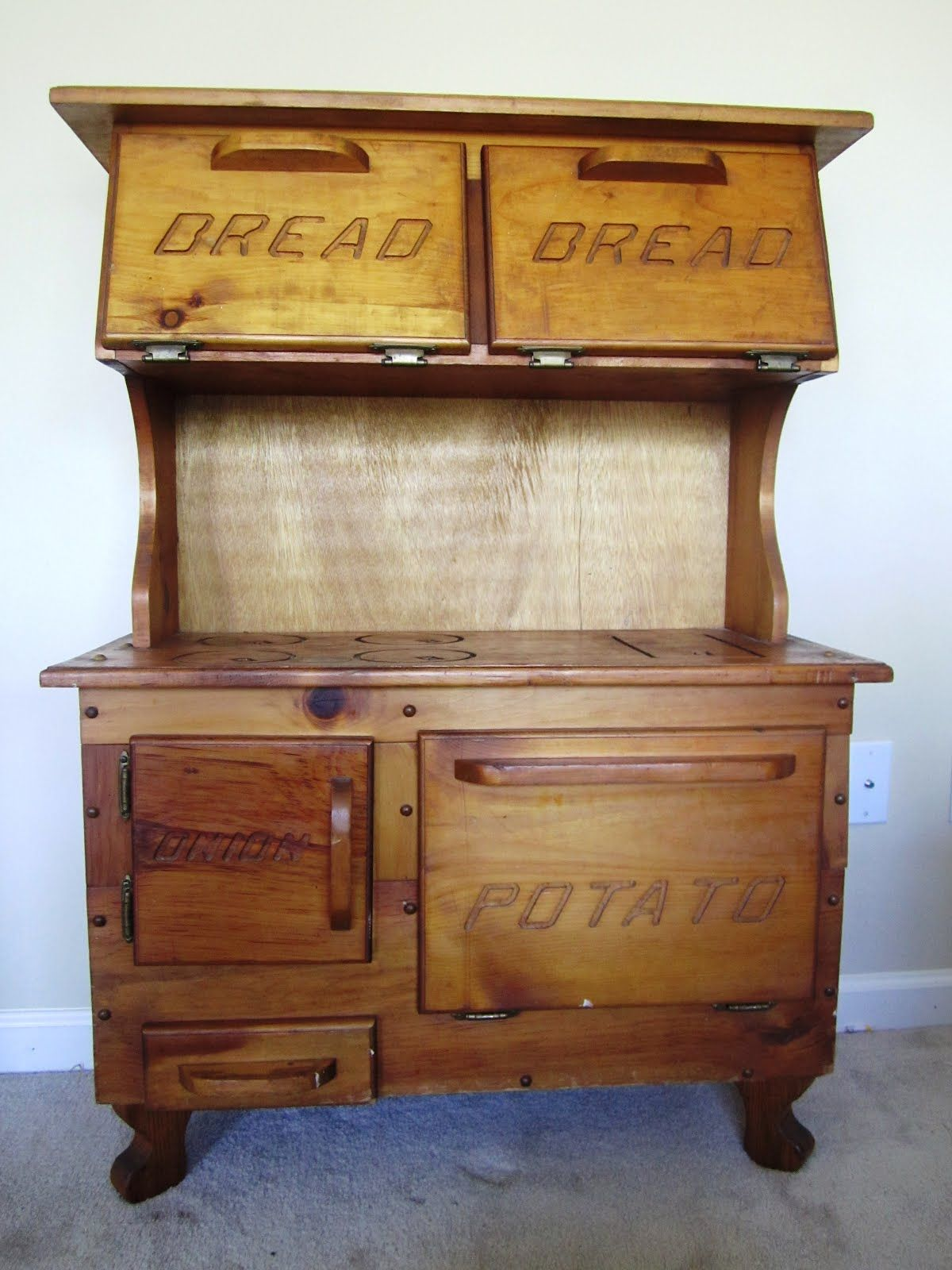 A Bread Drawer Really I Could Hug This Person Bread Drawer Best Kitchen Designs Kitchen Design