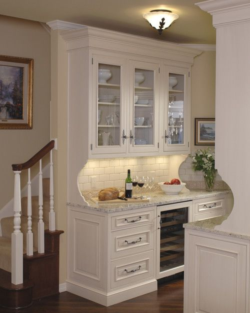 10 butler 39 s pantry ideas pantry for Kitchen designs with butler pantry