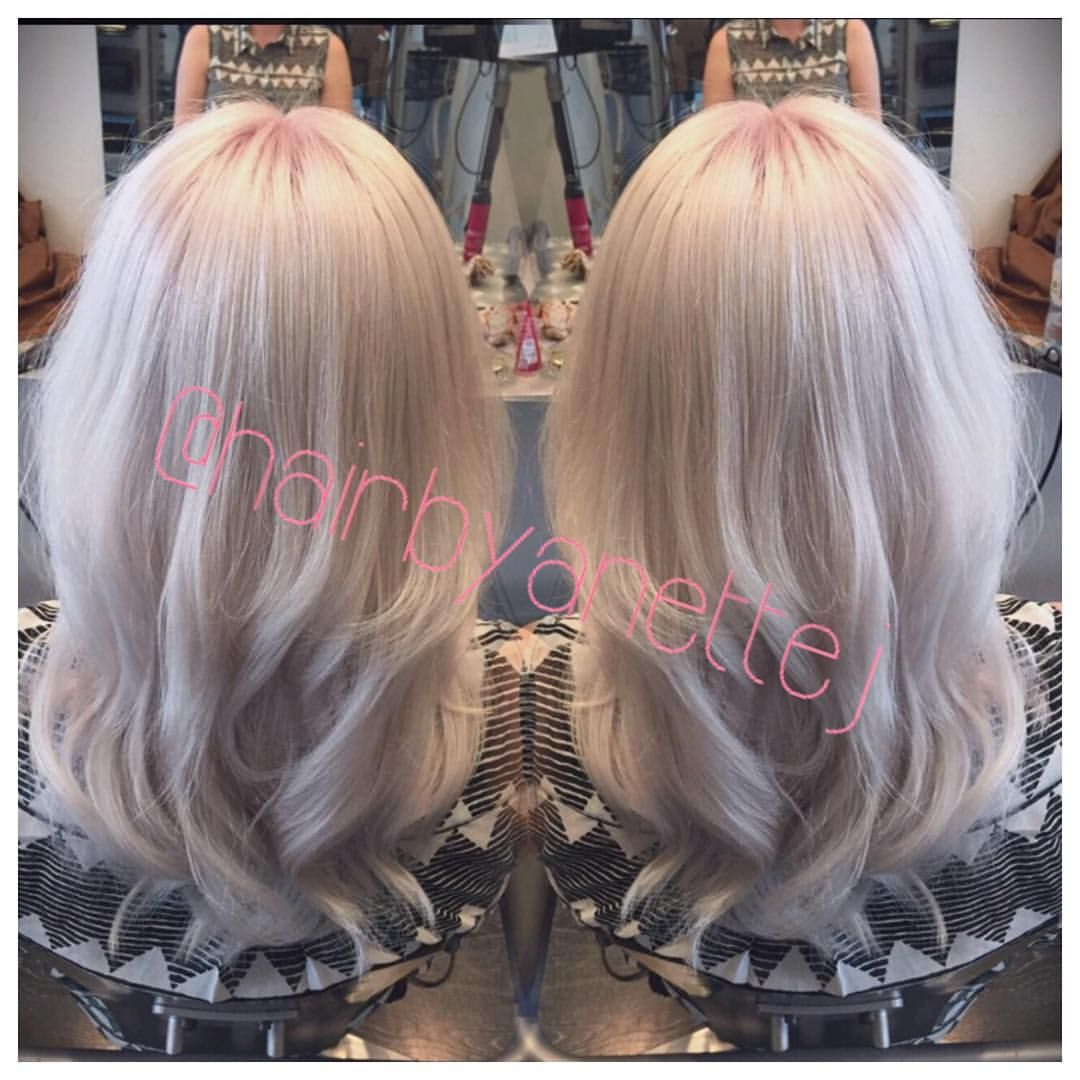 Platinum blonde with a dash of pink ☺️ #platinum #blonde #platinumhair #whitehair #blonde #pink #pinkhair #haircolorist #wella #wellahair #wellalife #wellamastercolorexpert #olaplex #curls #summerhair #mermaidhair #pastelhair #instahair #tagsforlikes #frisørkøbenhavn #frisør #frisørfrederiksberg #hår #hårfarve @olaplex @olaplexdanmark @behindthechair_com @guy_tang @wellaeducation @wellahair @wellapro_anz