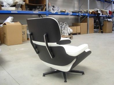 Charles Eames Lounge Chair Schwarz Lackiert/Anilin Weiss