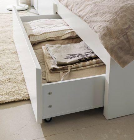 nahaufnahme eines geffneten schubkastens in malm bettgestell mit 4 schubksten in wei - Schlafzimmer Mit Malm Bett