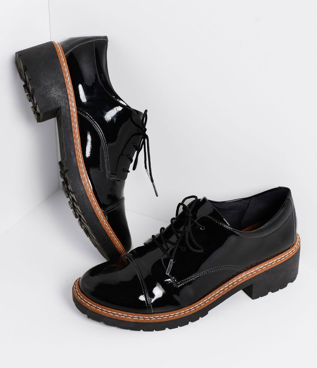 29212da9dd Sapato Feminino Modelo  Oxford Em verniz Sola tratorada de 4cm Marca   Satinato Material  Sintético COLEÇÃO VERÃO 2017 Veja outras opções de  sapatos ...