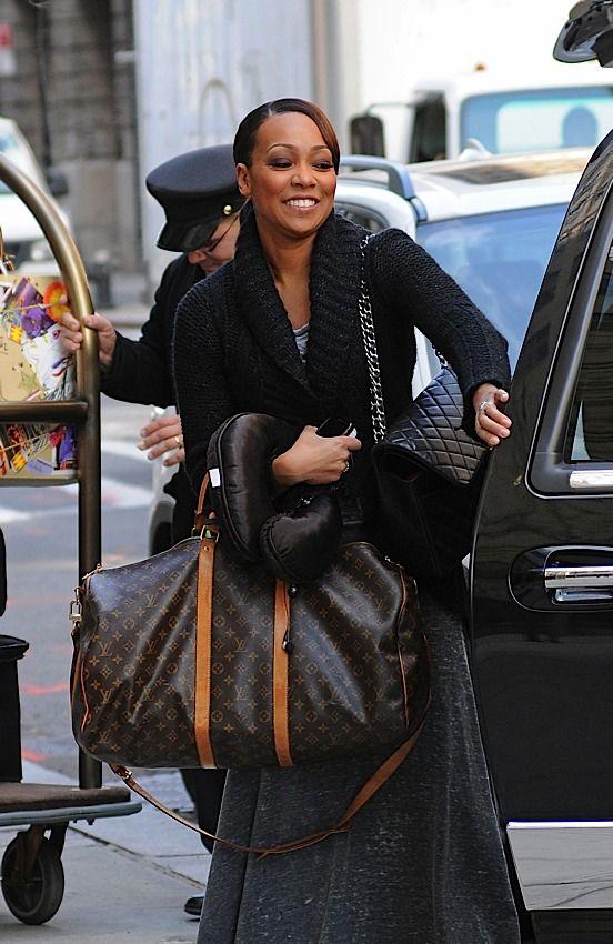 Celebrities Love Louis Vuitton Luggage (15)  5676d685bdd43