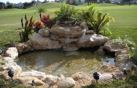 Wallpaper de estanque con fuente en jardin estanque for Estanque de jardin con cascada