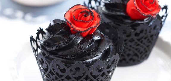 Sandra Lee Blood Rose Cupcakes- Blood Rose Cupcakes