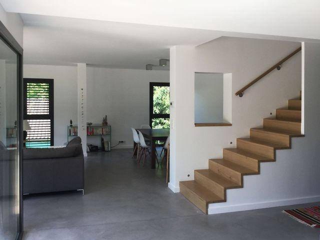 Maison en savoie une structure contemporaine ouverte sur la nature escaliers