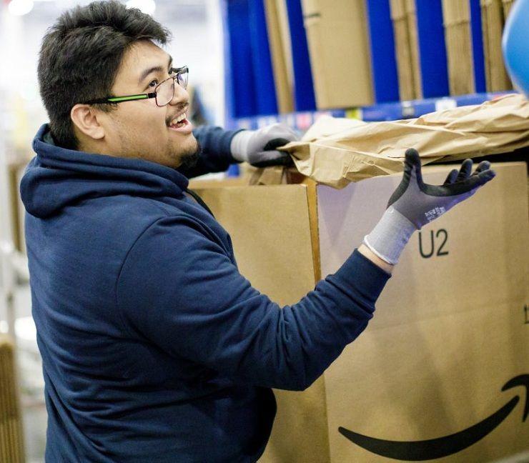 Amazon's 15 minimum wage to benefit its 350,000 warehouse