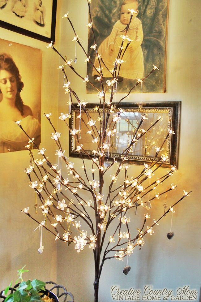 """Creative Country Mom's: """"Key To My Heart Tree"""" and More Vintage Style Fall Decor"""