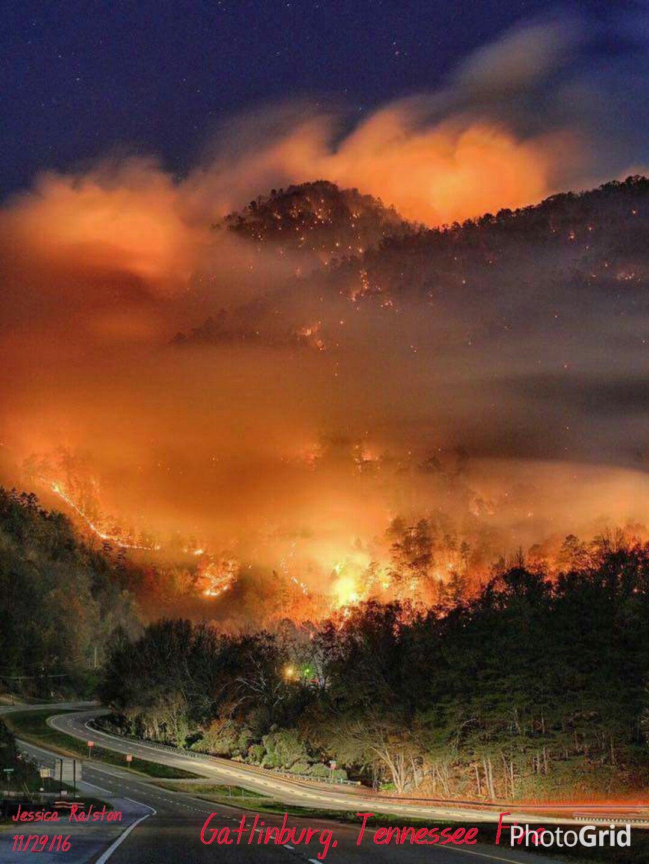 Gatlinburg Tennessee November 29 2016 Wildfire destroying much of