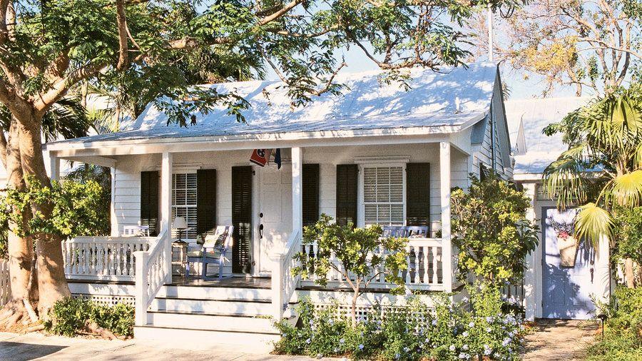 7 Charming Florida Beach Houses Beautiful Beach Houses Beach Cottage Decor Key West Cottage