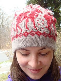Kevin McCallister s Moose Hat - free pattern -- If I was at home now I d  cast on this minute! 0bb1dbfb086
