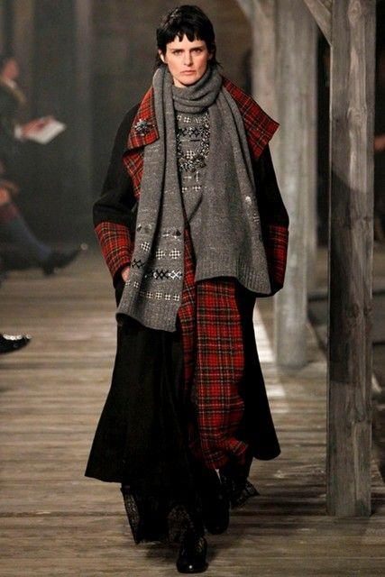 Look 1 from Chanel's Scottish Metiers D'Art Show