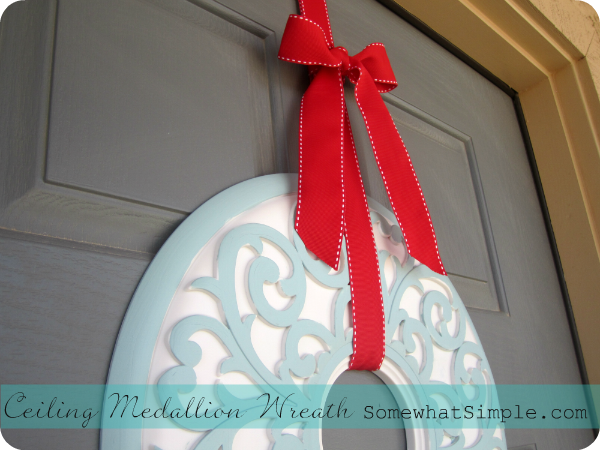 Ceiling Medallion Wreath- super easy! #wreath #DIY
