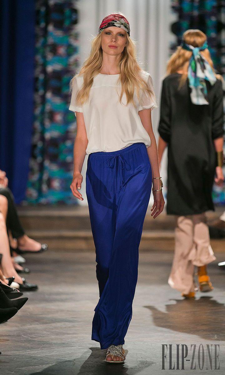 By Malina - Ready-to-Wear - Spring-summer 2014 - http://www.flip-zone.net/fashion/ready-to-wear/independant-designers/by-malina-4326 - ©PixelFormula