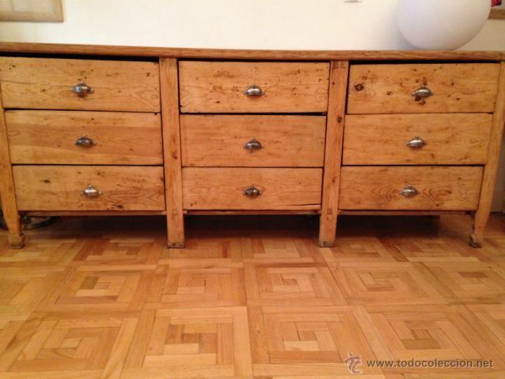 Muy antiguo mueble mostrador de tienda de madera maciza (pino?) con ...