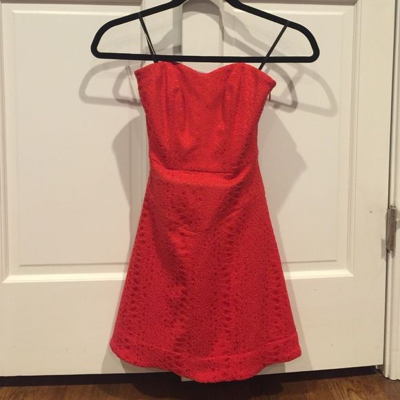Red Bebe dress Worn once. Looks GREAT on. Perf condition. Strapless bebe Dresses Mini