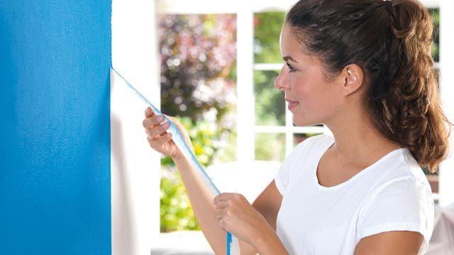 f r perfekte farbkanten muss man beim abkleben und streichen der wand ein paar tipps beachten. Black Bedroom Furniture Sets. Home Design Ideas