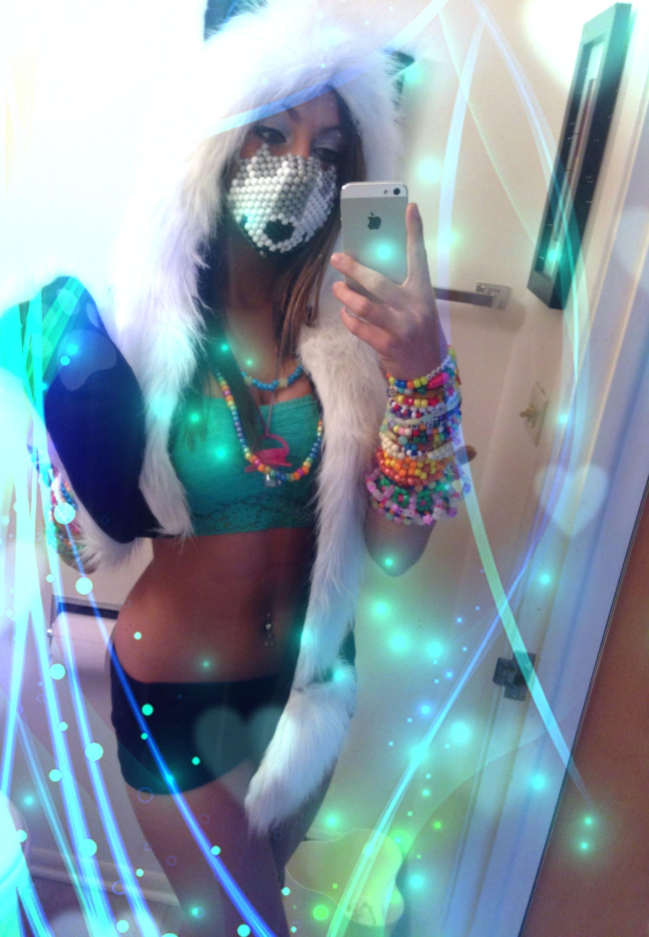 I Wanna Make My Mask This Year =]
