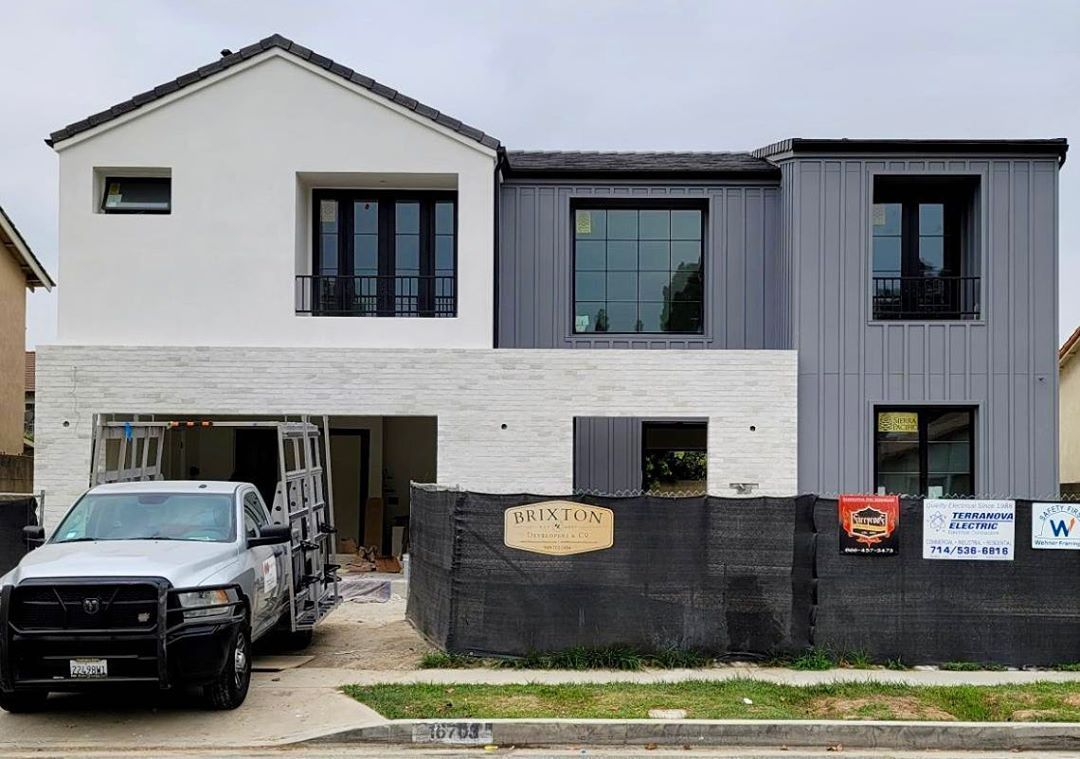 """Brixton Developers & CO on Instagram: """"We love the color combinations on our Cerritos project. What do you think, love it or hate it? #customhomedesigns #curbappeal…"""""""