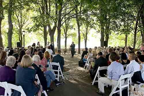 Information On Low Budget Summer Wedding Ideas Weddingsabeautiful