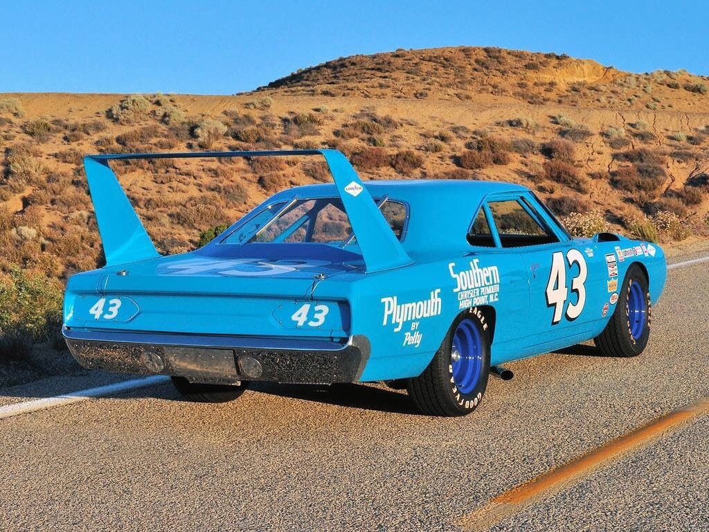 Abigdumbanimal The King The King And His Wing Plymouth Superbird Dodge Muscle Cars Nascar Race Cars