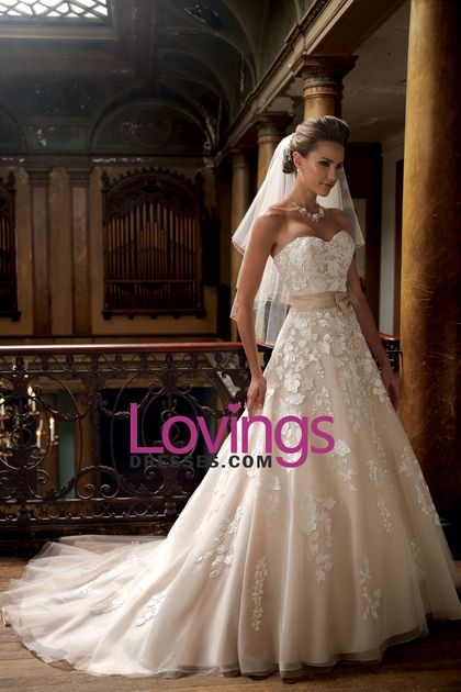 2016 Wedding Dresses Sweetheart Organza With Applique And Sash Court Train