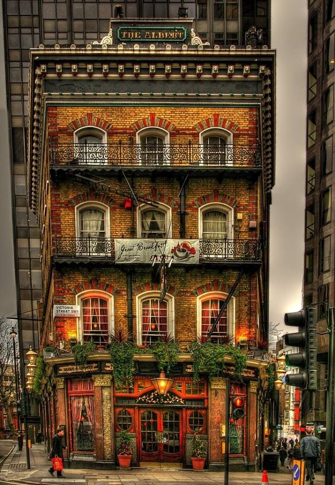 London England...The Albert, bed and breakfast, Victoria