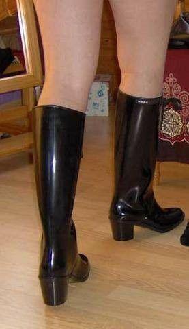 86c884173e6 Pin von AnneliLehto auf Women's fashion   Stiefel, Gummistiefel und ...
