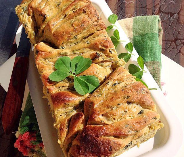 Chhapan Bhog: Whole Wheat Fusion Fenugreek Pull Part Loaf