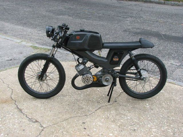 simple good looking 50cc guessing there cafe racer. Black Bedroom Furniture Sets. Home Design Ideas