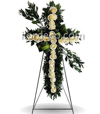 Cruz Con 24 Rosas Blancas Clave Flor 126 Con Imagenes Flores