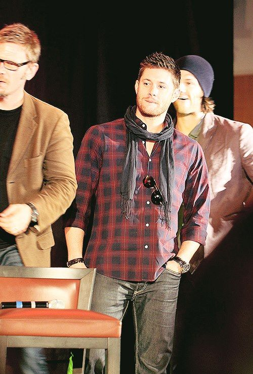 Mark, Jensen and Jared (JIB 2012) look at that face! Gosh my heart just melts!! I'm such a fan girl!