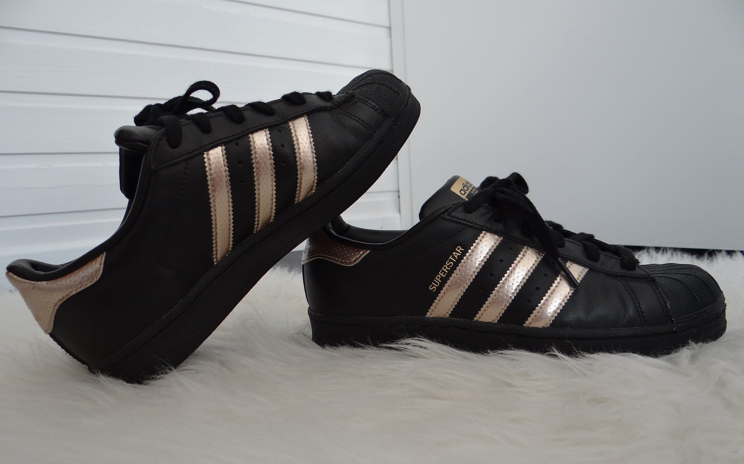 adidas superstar gold and black