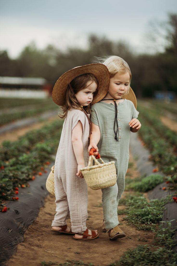 25 + › kleine Strampler für urbane Kleidung, Geschwister-Outfits, Kleinkindmode, … #babykidclothesandideas