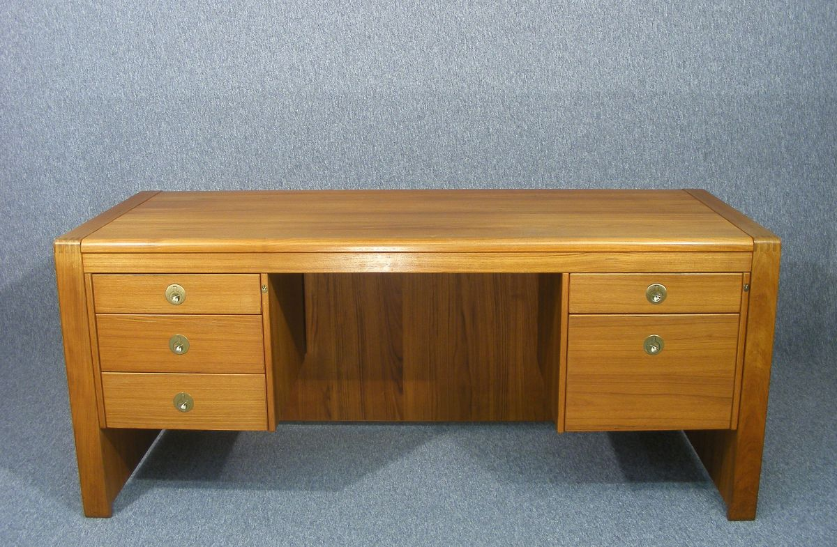 This Is A Wonderful Large Vintage Retro Teak Desk By D Scan Dating To The  1970u0027s