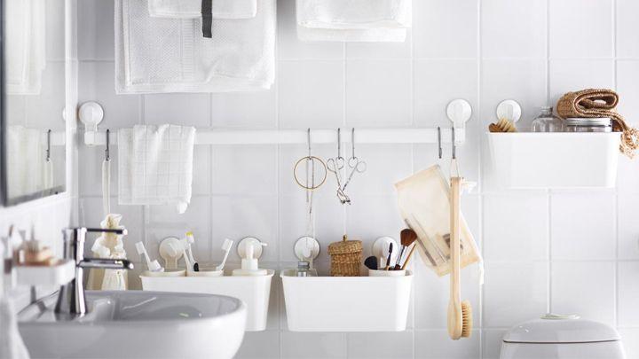 Algunos espacios de la casa, sobre todo los que utilizamos a diario, resultan especialmente difíciles de mantener limpios y ordenados. Este es el caso de la cocina y del cuarto de baño. Si necesita…