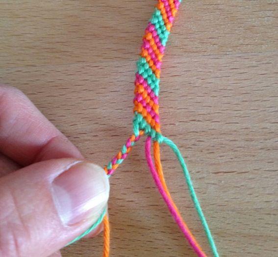 Bracelet br silien technique 3 fils - Comment faire un scoubidou facile ...