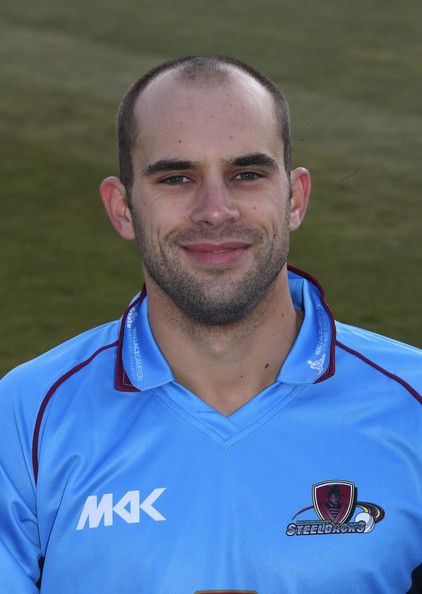 Kyle Coetzer Photos Photos - Kyle Coetzer of Northamptonshire CCC poses for a portrait wearing the Yorkshire Bank 40 kit at the County Ground on April 3, 2013 in Northampton, England. - Northamptonshire CCC Photocall