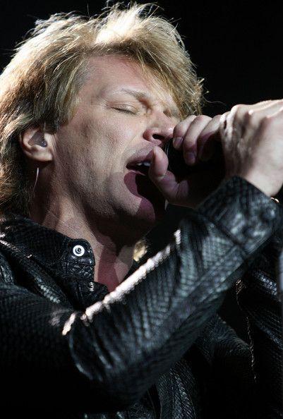 Jon Bon Jovi Photos - Bon Jovi Performs In Auckland - Zimbio