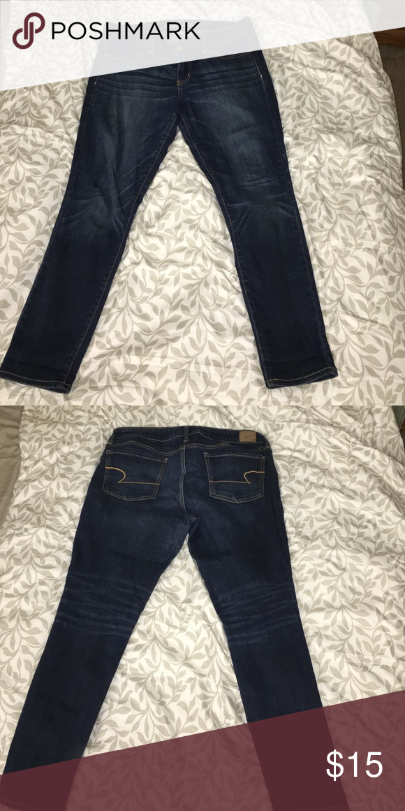 American Eagle jeans In excellent condition dark wash jogging a American Eagle Outfitters Jeans Skinny