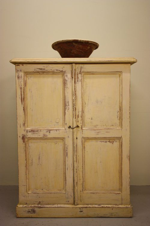 A 19th century antique pine cupboard - A 19th Century Antique Pine Cupboard Color - Olde Ivory