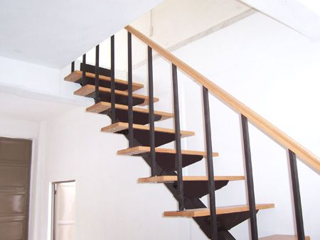 Escalera recta bonampak suvire dise o calidad y for Diseno de escaleras interiores