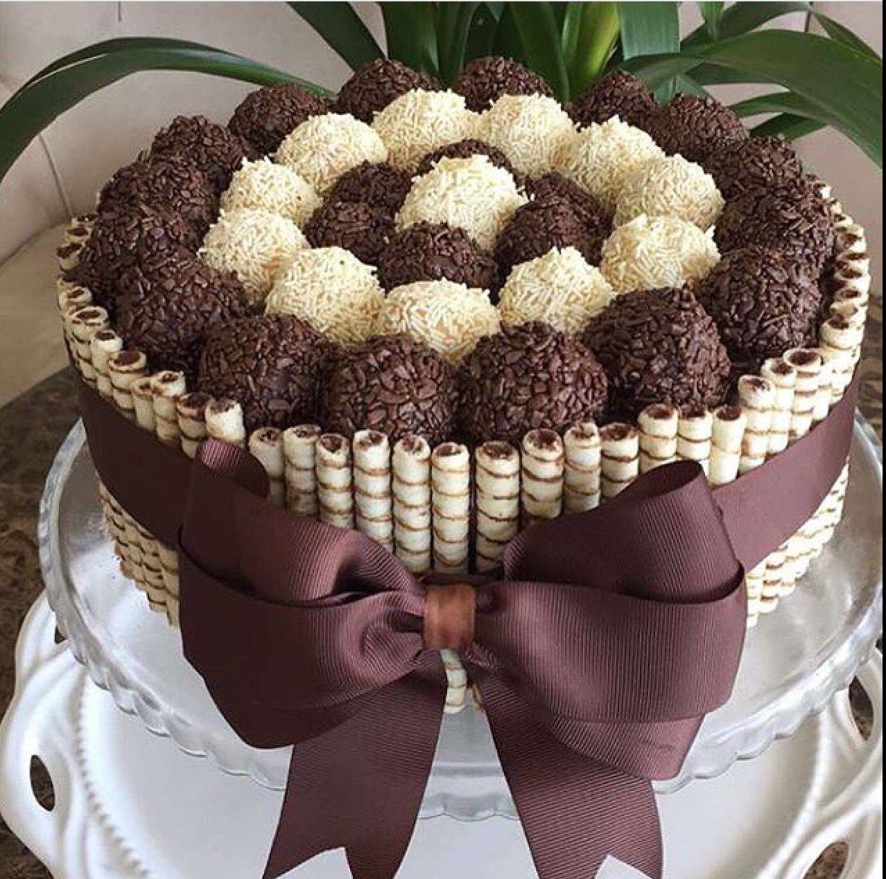Bolo De Chocolate Com Brigadeiros Gourmet E Nutella Bolo Bolo